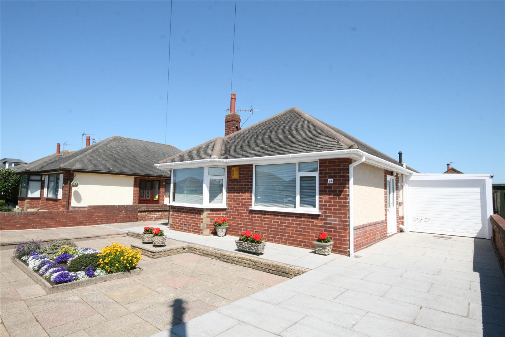 3 Bedrooms Detached Bungalow for sale in Grasmere Road, Lytham St. Annes
